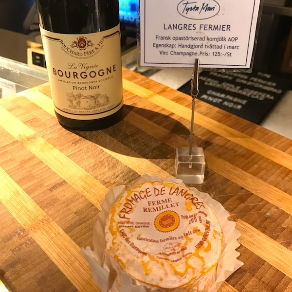 God ost och vinkombination kittosten Langres & Pinot Noir